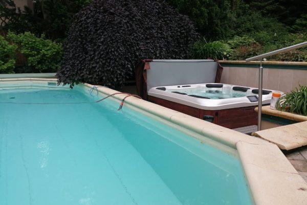 Whirlpool Villeroy & Boch A7L outdoor Garten Wien