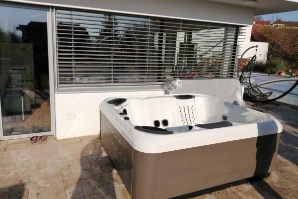 Outdoor Whirlpool Villeroy & Boch R6L